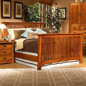 InnoMax Oak Land Mission Creek Platform Bed With Tall Footboard Bedroom Furniture