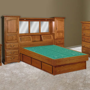 InnoMax Oak Land Venetian Wall Unit Waterbed In Bedroom
